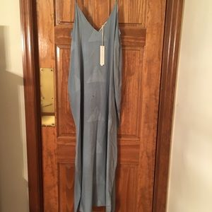Love Stitch Sleeveless Maxi Dress w/pockets. NWT